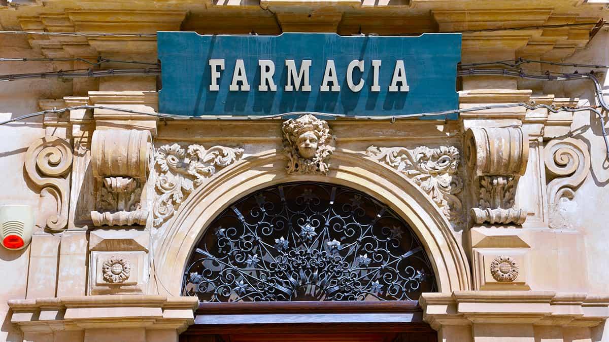 Prospetto dell'Antica Farmacia Cartia a Scicli