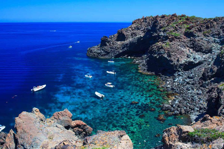Panorama di Cala Cinque Denti a Pantelleria