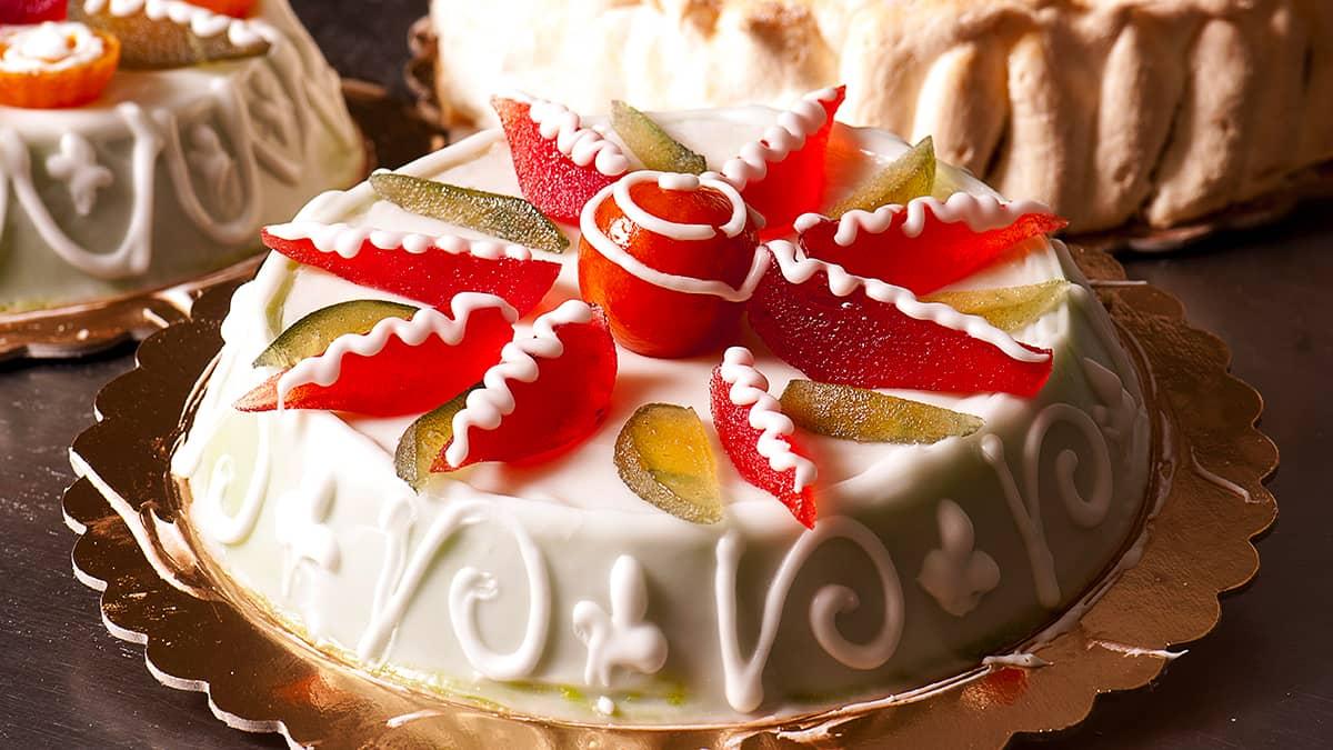La cassata siciliana uno dei dolci tipici da mangiare in Sicilia