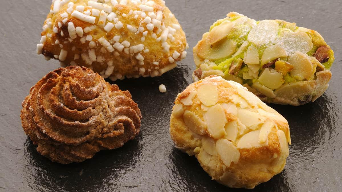 Alcune paste di mandorle, uno dei dolci tipici Siciliani
