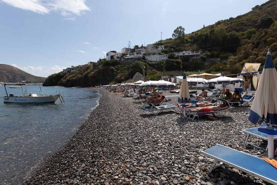 La Spiaggia di Papesca chiamata in passato Spiagge Bianche sull'isola di Lipari