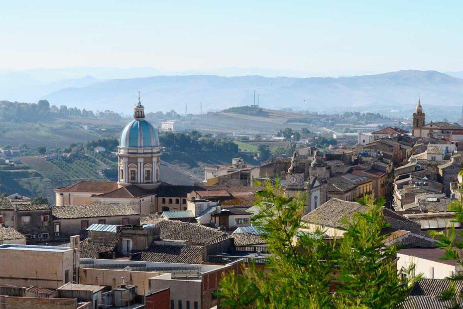 Panorama della città di Caltanissetta