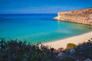Vista della spiaggia dei Coniglia a Lampedusa
