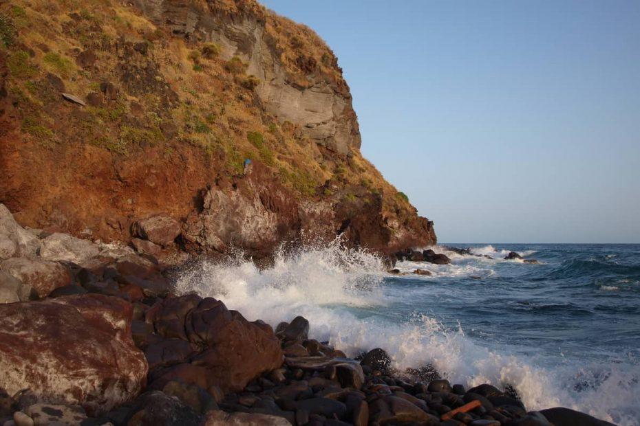 Spiaggia dello Scario a Malfa sull'Isola di Salina