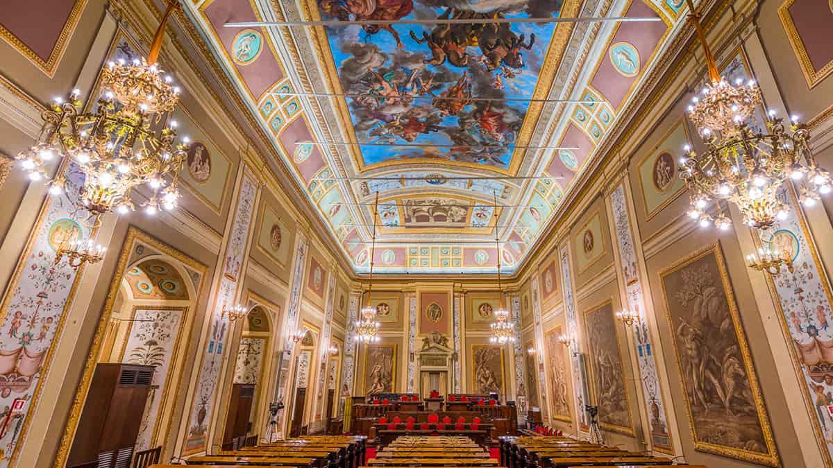 La Sala d'Ercole del Palazzo dei Normanni sede del Parlamento Siciliano